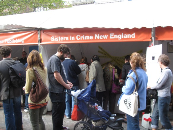 A big crowd at the SinCNE booth last year