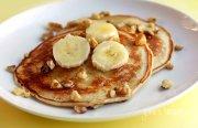 banana-nut-pancakes