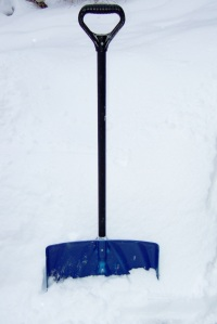 shovel-with-snow