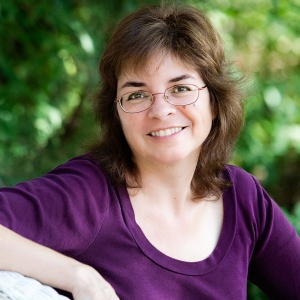 Leslie Budewitz author