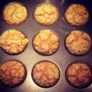 pumpkin-oatmeal-muffins-gigi-pandian