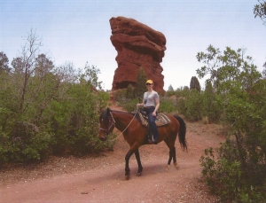 garden-of-the-gods-trail-ride-001-800x612