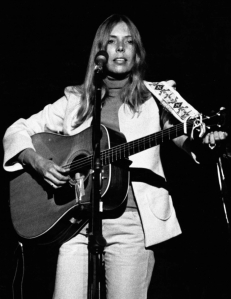 Joni_mitchell_1974_cropped